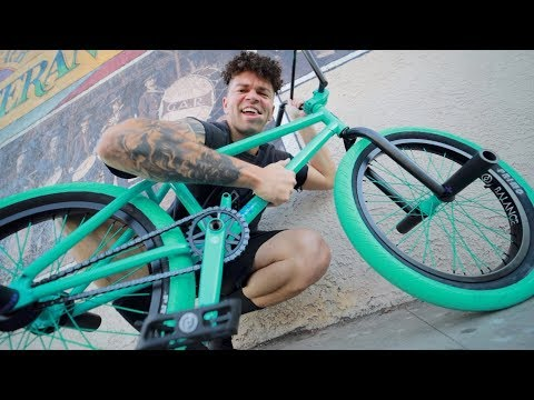 MY NEW BEAUTIFUL $2,000 CUSTOM BMX BIKE *RARE*