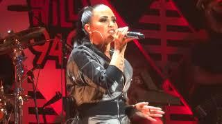 Demi Lovato - ''Sorry Not Sorry'' at WiLD 94.9 Jingle Ball San Jose 11/30/17 HD