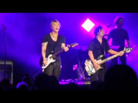 Goo Goo Dolls - Never Take The Place Of Your Man - Boston, MA 8/16/16