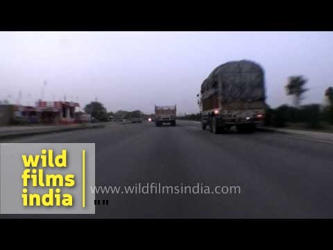 Driving fast on Jaipur - Delhi National Highway 8