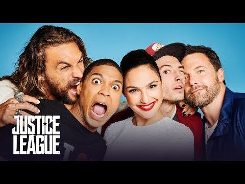 Gal Gadot Cute Moments | Comic Con - Justice League