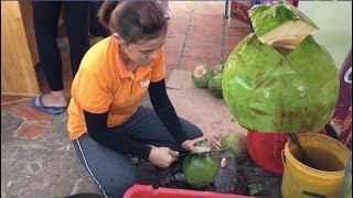 Cô gái chặt Dừa 3 Nhát đặc sản Phan Thiết cực …