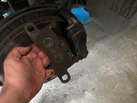 Замена Задних Тормозных Колодок На Volkswagen  Touareg 2017 год 3,0 дизель