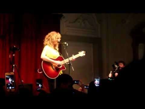 Tori Kelly - PYT @Bush Hall London