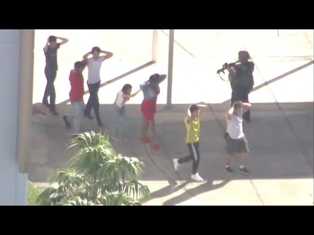 Un exalumno mata a 17 personas en un instituto de Florida