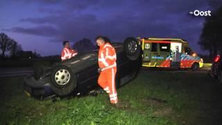 Auto over de kop bij ongeluk tussen Zwolle en Dalfsen