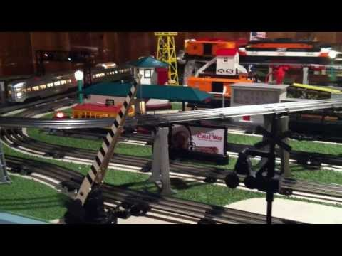 LIONEL O GAUGE DEALER DISPLAY TRAIN LAYOUT D-192