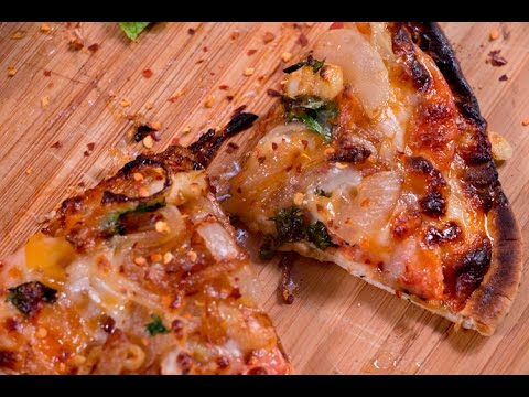 Caramelized onion flatbread Pizza with pita bread