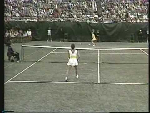 Chris Evert d. Evonne Goolagong - 1975 US Open final: 1st of a record 6 US  Open Crowns! - YouTube