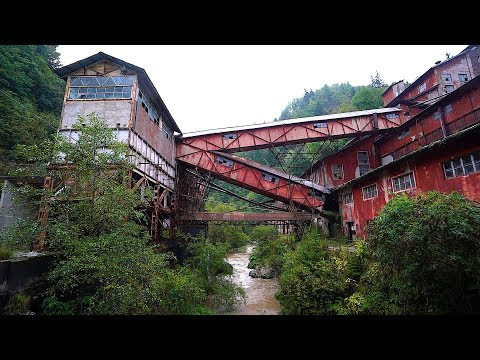 Hidden Mine Shaft In Abandoned Valley ! ( Italy )