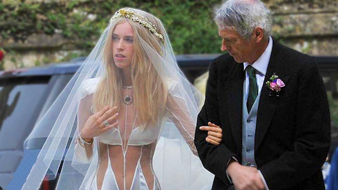 f80b9098cd3b2 أسوء فساتين زفاف في العالم - YouTube