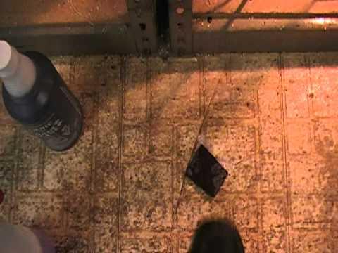 how to clean linoleum floor