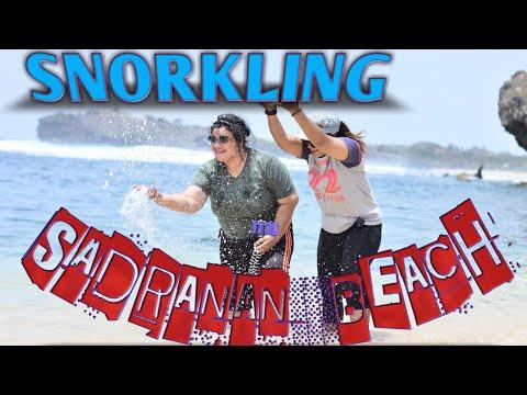 snorkeling-di-pantai-sadranan