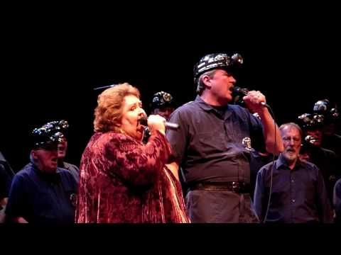 Rita MacNeil NAC Ottawa Part 10 - Finale - Working Man
