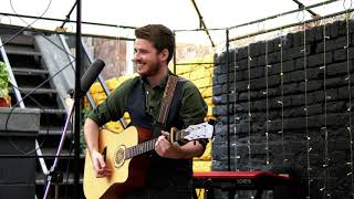 Live & Acoustic @ Moondance, Rochester | Tom Powell