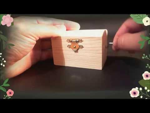 Music box LOVE STORY - Wooden hand crank music box - Love story