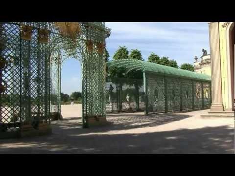 Schloss Sanssouci und Park in Potsdam