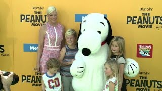 "Snoopy gets red carpet treatment at ""Peanuts"" premier"