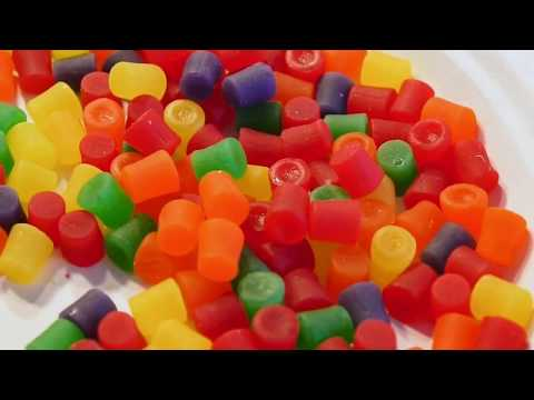 this is JUJUBES chewy candy This is a box of Jujubes candy. I open the box and show you what the candies look like. I would describe these as firm chewy candy, tastes quite good with the ...