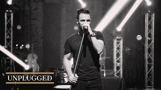 Sirvan Khosravi - Unplugged Concert - Doost Daram Zendegi Ro (I love Lilfe) - Official Video