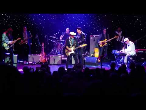 The Mavericks with Jesse Dayton The Bottle Let Me Down Outlaw Country Cruise 3