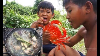 Primitive Technology KH - Eating delicious - Find Food and Cooking crab recipe