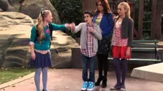 Jessie - Korkunç Kony Luke'u Kurtarıyor!