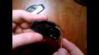 Взлом замка на одежде (замки анти кража на одежде)(для начала это видео было выложено чисто в ознакомительных целях! я взял разрезал замок который крепится..., 2013-02-22T17:53:27.000Z)