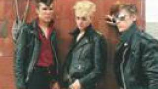 Stray Cats - Lonely Summer Nights.