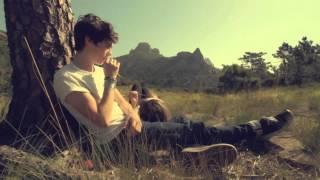 Caroline Costa - On a beau dire [Official Music Video]