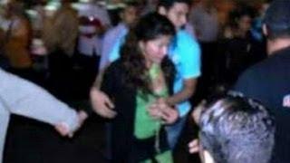اول فيديو واضح لحادثة خلع ملابس فتاه اجنبية (هولندية ) واغتصابها فى ميدان التحرير  - 28/6/2013