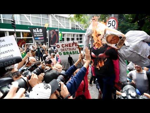 Protestos a favor e contra a filósofa Judith Butler em São Paulo
