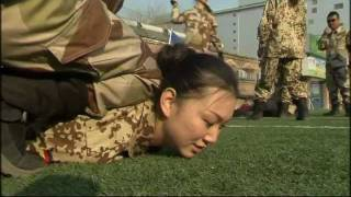Chinese women brave broken bottles to become bodyguards