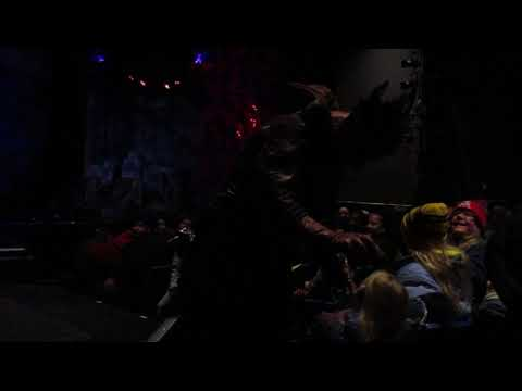 Nox Terrorizes Grand Music Hall Guests Fright Fest Six Flags Great America 10-28-17