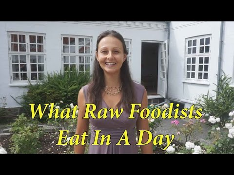 What Raw Vegan Foodists Eat In A Day