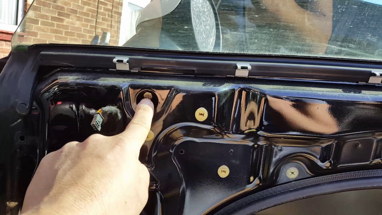 Mini Cooper 2002 Drivers window stuck and not working  Fault finding and  repair