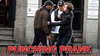 PUNCHING PRANK IN DER ÖFFENTLICHKEIT l Yavi TV