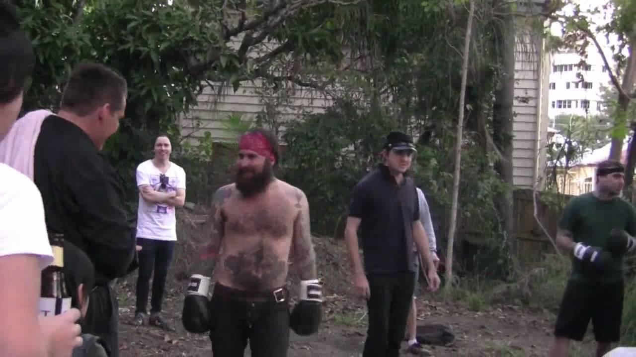 Backyard fight club @ Viola - YouTube
