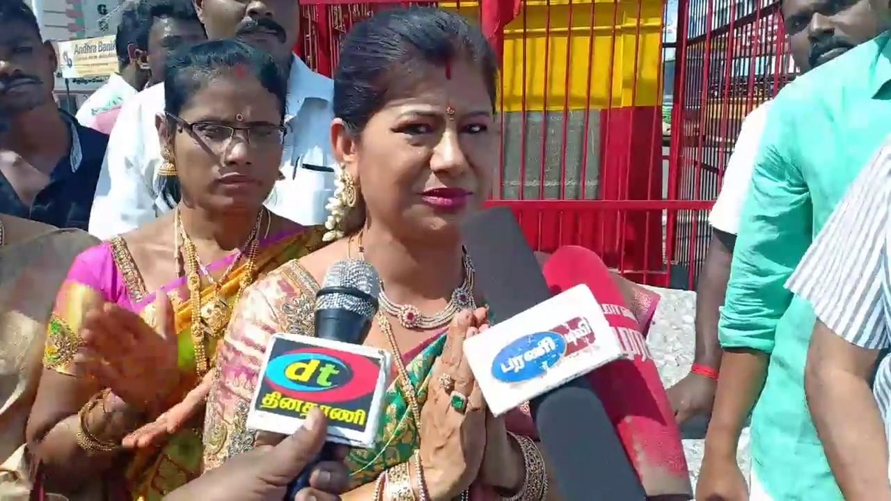Download தேவர் சிலைக்கு மாலை அணிவிப்பு - லீமா ரோஸ் மார்டின்