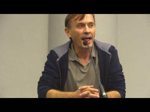 Robert Knepper answering a question in his TBag voice during Q&A @ F.A.C.T.S 2014, Belgium