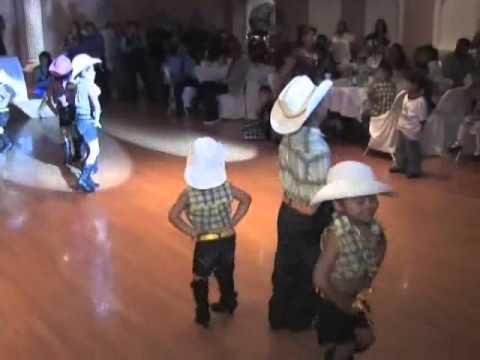 Ivan 3 Anos de Presentacion Pt.3/3 Baile Sorpresa - YouTube