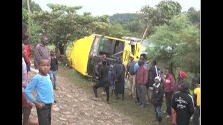 Video 50 injured in Turbo Girls High School bus crash download MP3, 3GP, MP4, WEBM, AVI, FLV Mei 2018