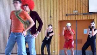 Voici la vidéo (et les photos) de notre prestation de danse en EPS ...