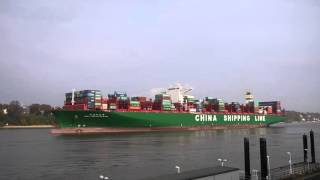 CSCL Indian Ocean Hamburg nach See  5.11.2015 Large Container Vessel