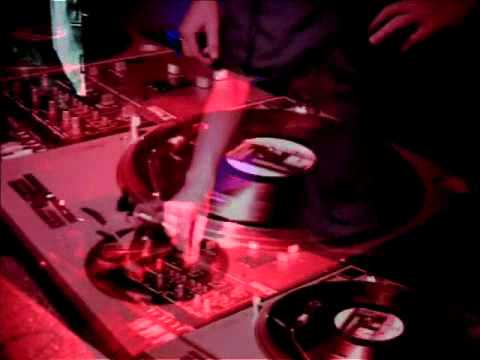 Base Elements - Bip Bip Bop (Musik Video)