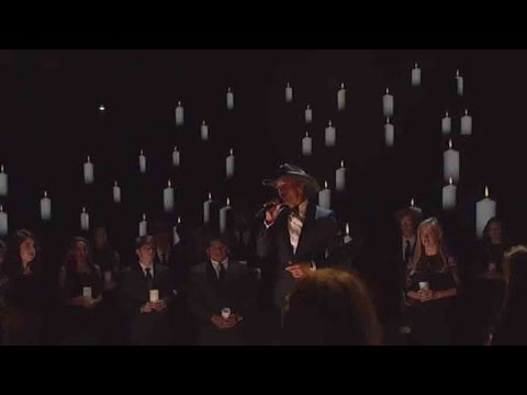 Tim McGraw, Students Honor Former Teacher At CMAs