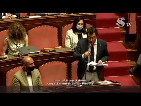 Matteo Salvini a Conte: 'Torni agli aperitivi in villa'