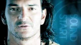 Mi Pais - Ricardo Arjona - Poquita Ropa (2010)