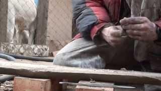 Испытание кованых ножей по-взрослому! Ножи ручной ковки.(В видео три ножа. 2 ножа из стали 9хс и один из шх15. Нож из шх15 предназначен для забоя свиней и не идёт с нами..., 2014-12-08T03:07:44.000Z)