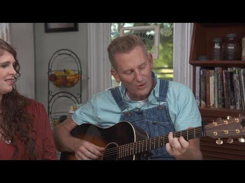 "Rory Feek sings ""Someone You Used to Know"""